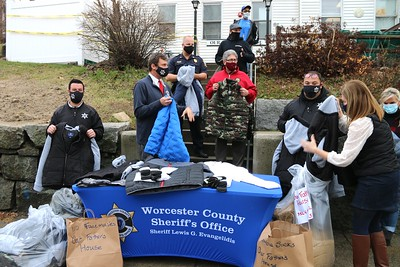 Worcester County Sheriff Dept coats donation