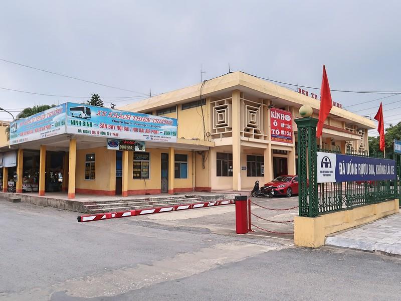 IMG_2194-bus-station.jpg