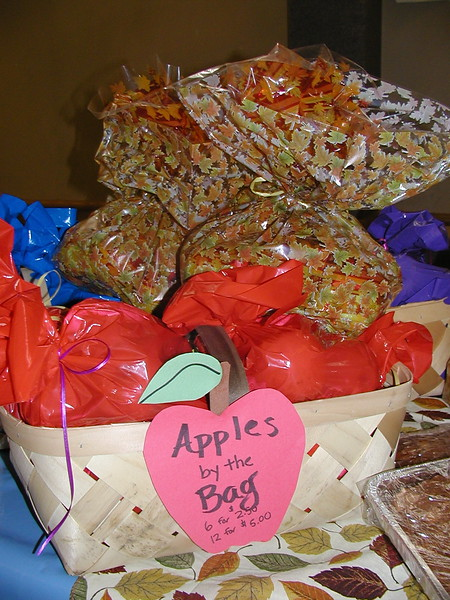 2003-09-28-JOY-Applefest_007.jpg