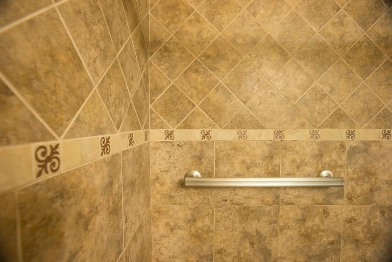 Bathroom 2nd.jpg