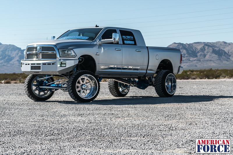 Ridin'-High-Silver-Dodge-Ram-161105-DSC02888-86.jpg