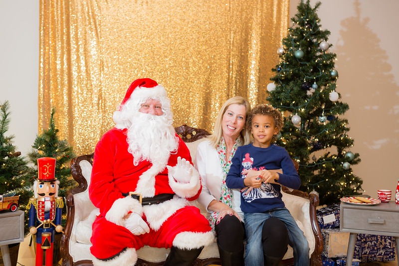 FADS Picture with Santa-201.jpg
