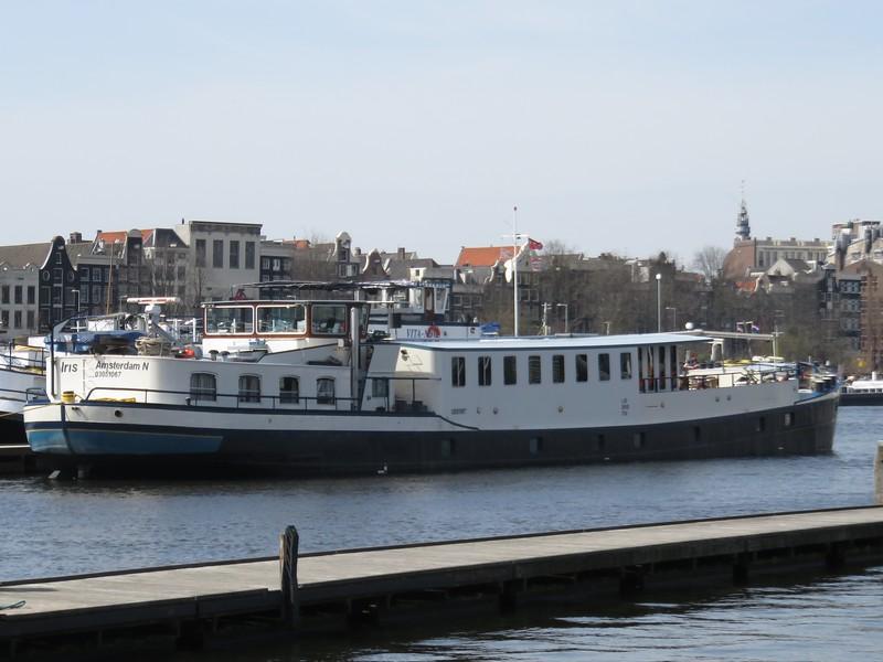 2018.04.07.10 Barge Iris.JPG