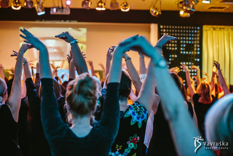 20191210-181744_0106-ladies-night-vavruska-charitas.jpg