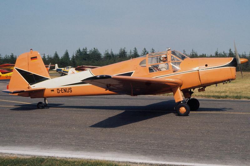 D-ENUS-BuckerBu-181B-1Bestmann-Private-EKVJ-1975-06-AM0042-KBVPCollection.JPG