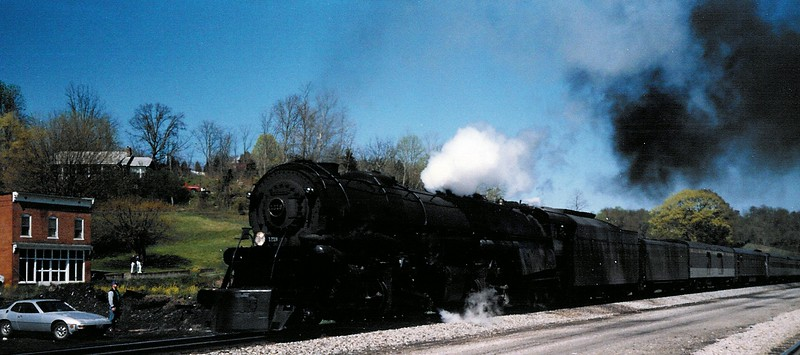 craig-trainparty-042787c-1.jpg