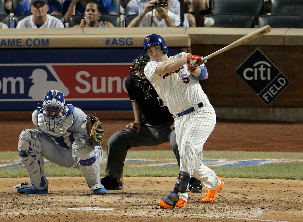 . National League\'s David Wright, of the New York Mets, hits a single in the seventh inning against the American League during Major League Baseball\'s All-Star Game in New York, July 16, 2013.  REUTERS/Ray Stubblebine