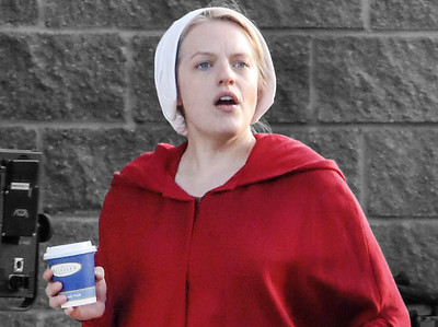 EXC: Elisabeth Moss Filming The Handmaid's Tale