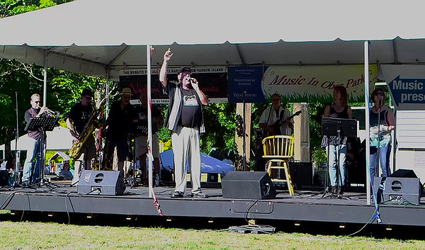 Loose Change at the Ober Park Main Stage Vashon Strawberry Festival Sunday evening 2016