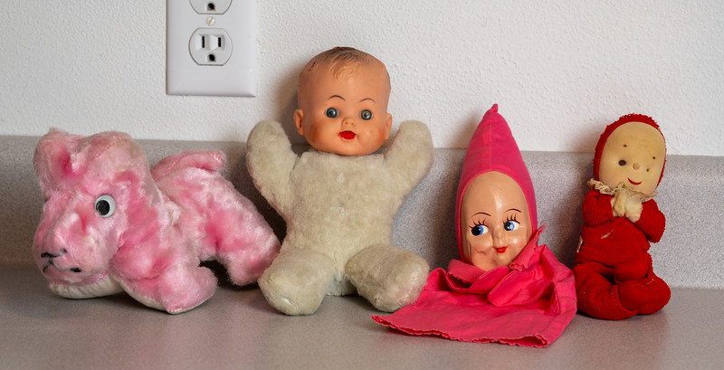 Toy Puppets and Dolls