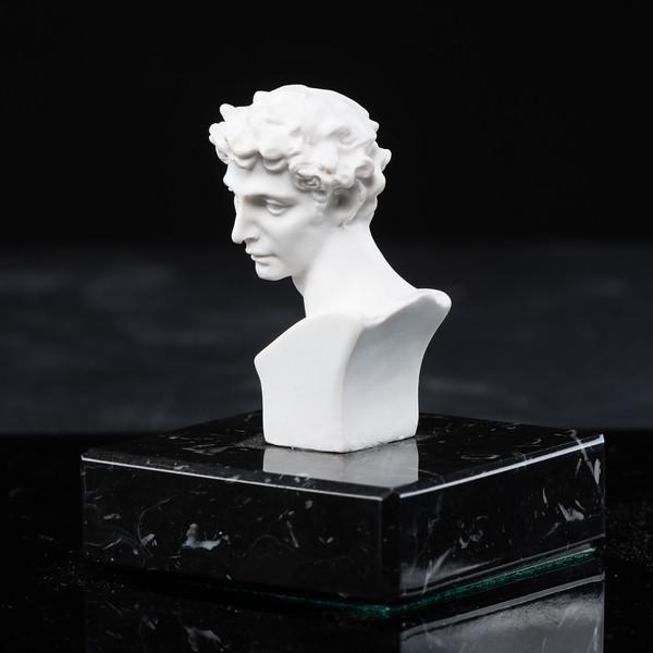 Statue-3-490.jpg