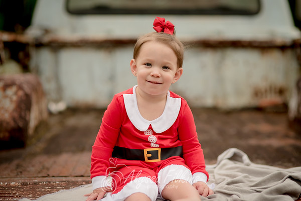 Janna - Christmas Mini Session