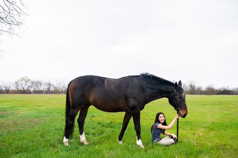 Addison-Poses-Horse-Portraits-001.jpg