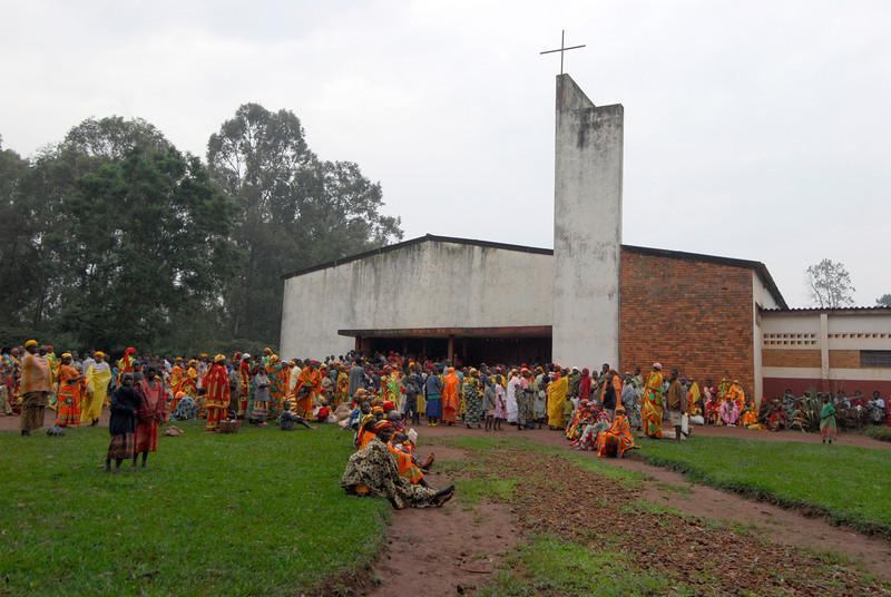 070114 4154 Burundi - Parish near Ruvubu Reserve _E _L ~E ~L.JPG