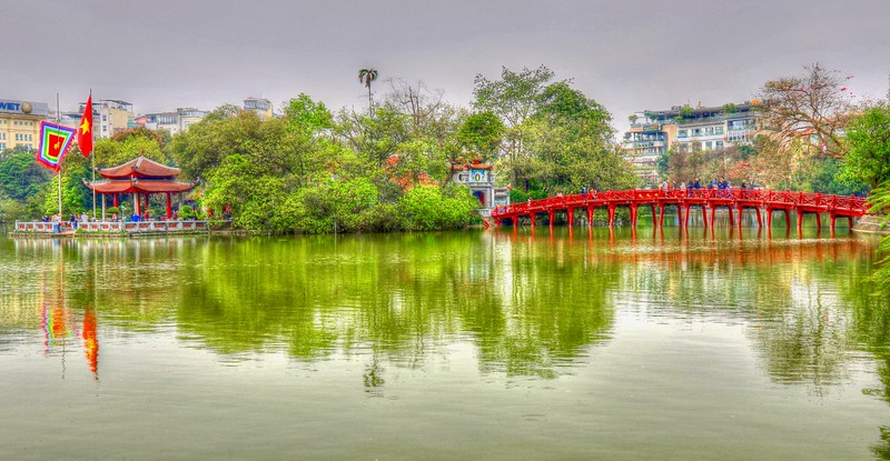The Huc Bridge leads to Ngoc Son Temple on Hoàn Kiếm Lake - Hanoi