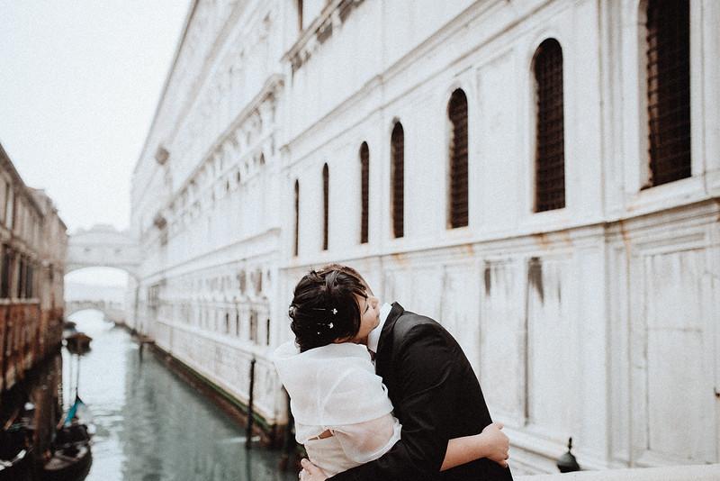 Tu-Nguyen-Destination-Wedding-Photographer-Vow-Renewal-Venice-Italy-Hochzeitsfotograf-Italien-Venedig-40.jpg