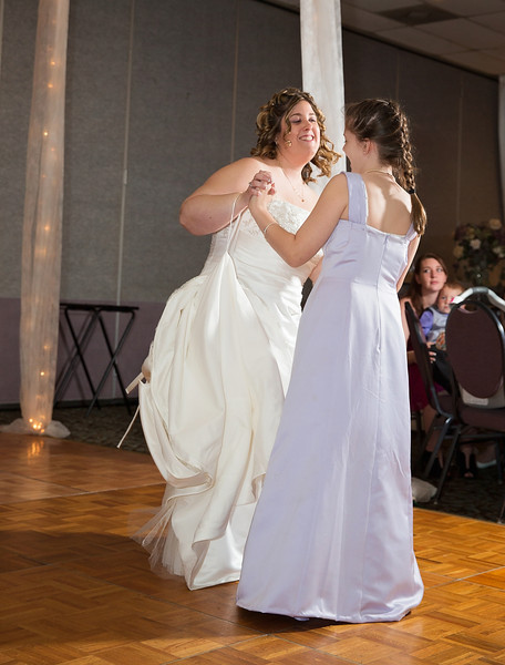 Bride dancing with daughter.jpg