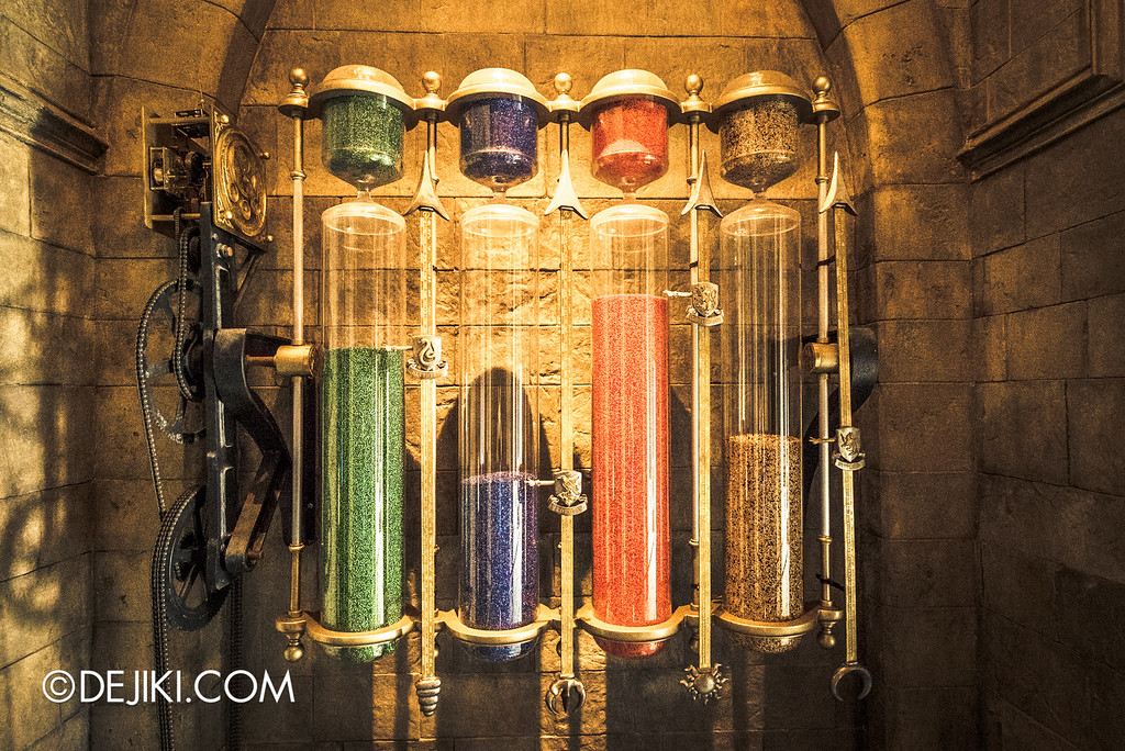 Universal Studios Japan - Harry Potter and the Forbidden Journey / Hogwarts Castle Walk Tour - House Points Hourglasses