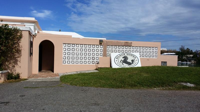 Bermuda-Restaurant-Black-Horse-Tavern-01.jpg