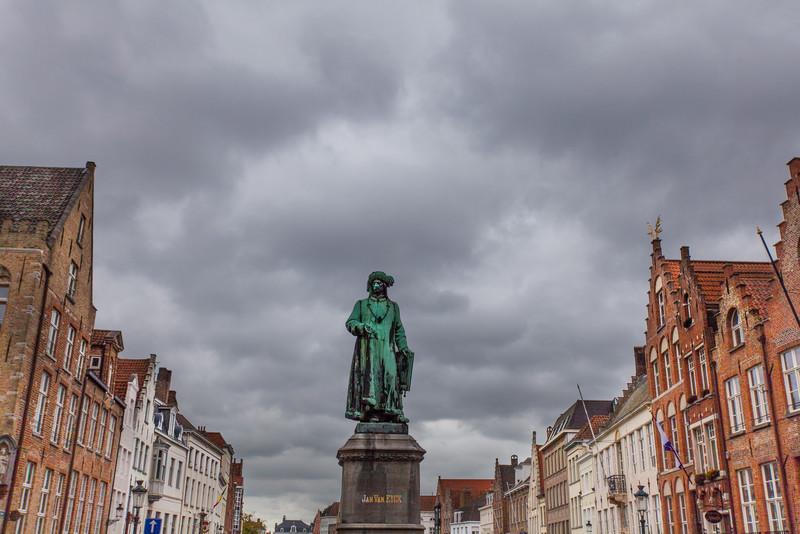Jan Van Eyck Plein statue.