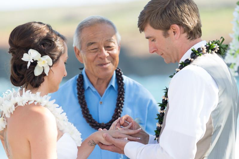 gillin beach kauai wedding-101.jpg