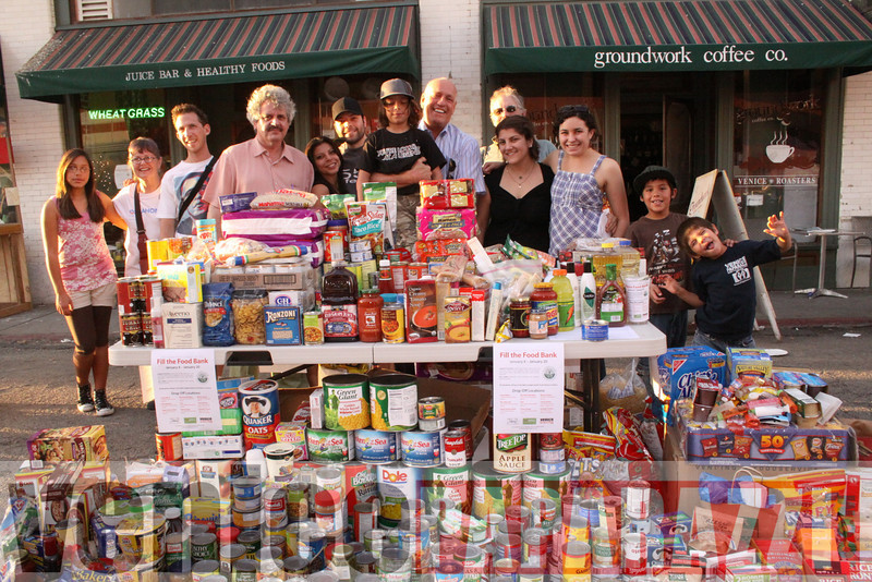 1.18.09  Fill the Food Bank.  Feed the Beach.  Venice For Change.  Alex  Rose.  Bill Rosendahl. Fruit Gallery. Phtoos by Venice Paparazzi (45).JPG