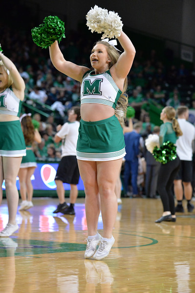 cheerleaders2346.jpg