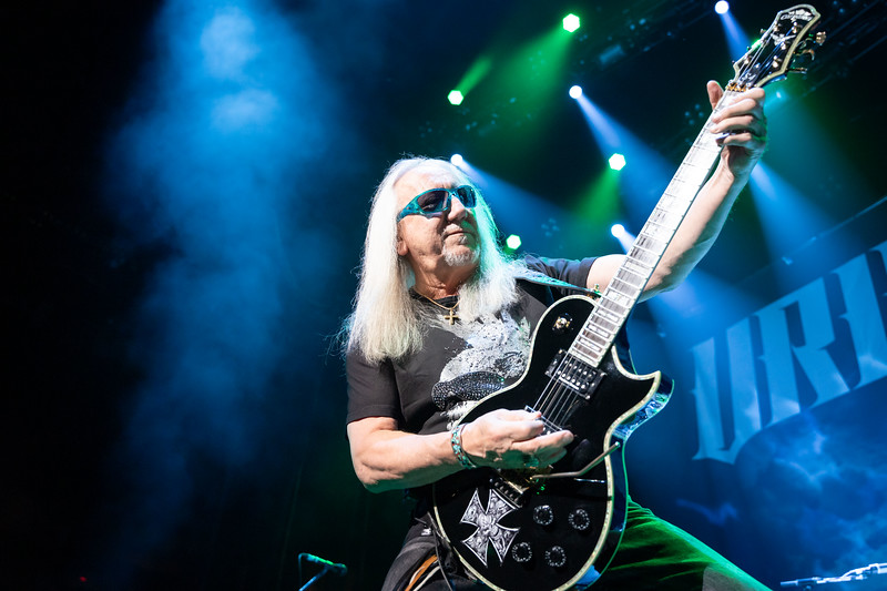 Uriah Heep lead guitarist, Mick Box, takes center stage to close out a song.