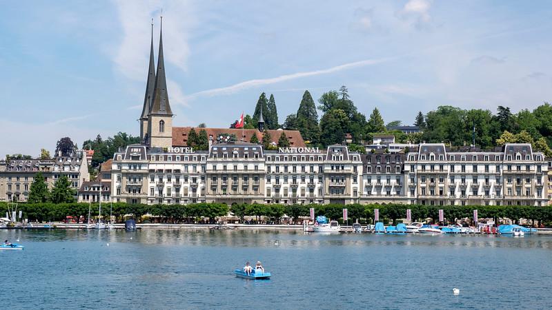 Switzerland-Boat-to-Lucerne03.jpg