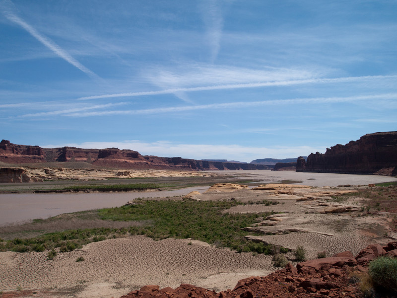 This is a view to the south where the Colorado River begins to turn into Lake Powell.  The water level seems low and dry and these photos, but its actually rising about 1ft/day from snowmelt.