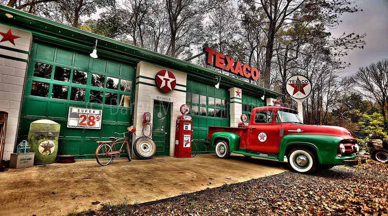 Vintage Texaco, 1956 T-bird and Truck (30).jpg