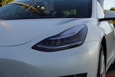 Tesla Model 3 - Pearl White Multi-Coat XPEL Stealth (3)