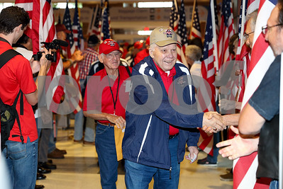 wwii-korean-war-veterans-leave-for-washington-dc-on-memorial-day-brookshires-heroes-flight