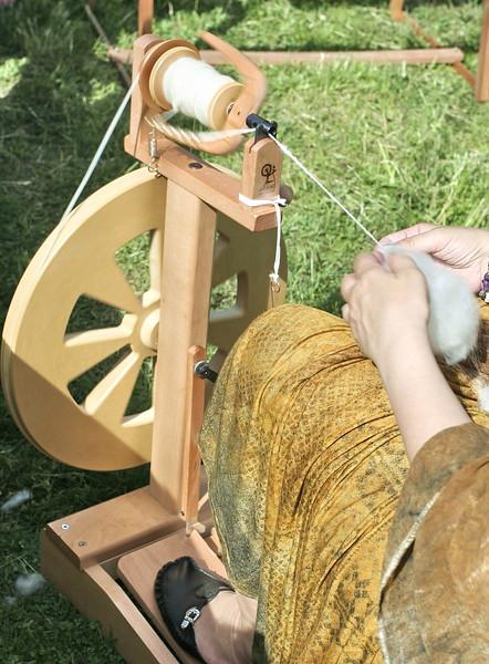 fleece spinning wheel.jpg