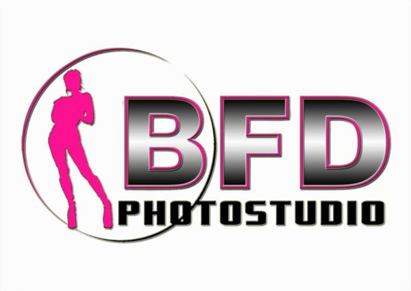 http://www.bfdphotostudio.com/photos/i-6L332Bd/0/M/i-6L332Bd-M.png