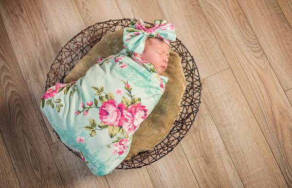 L Souza - Newborn