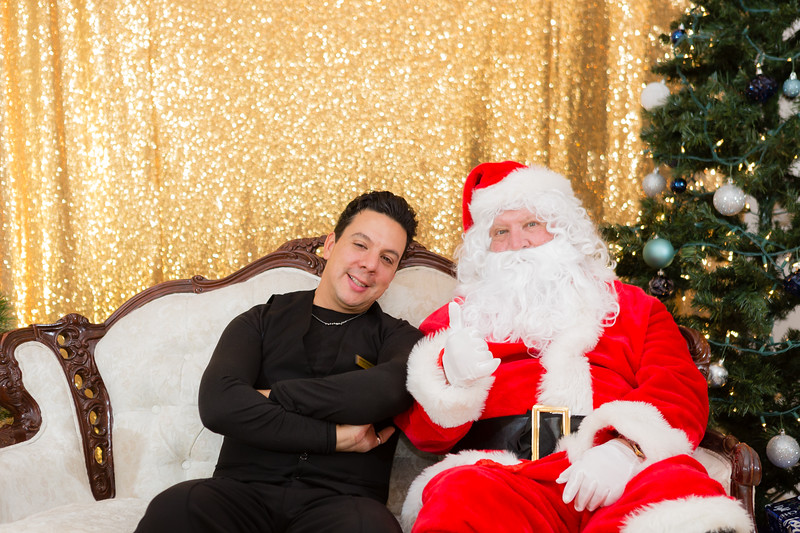 FADS Picture with Santa-165.jpg