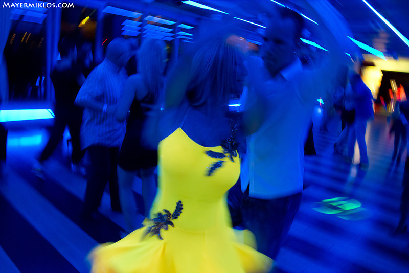 This cool dress was really shining this bright, I didn't do anything with this picture...