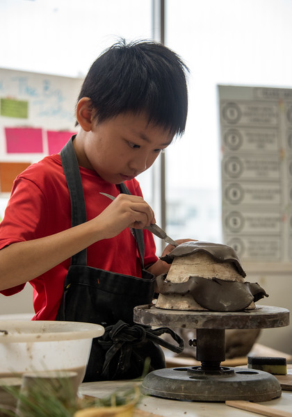 Gr. 3 Pottery-untitled shoot-YIS_7216-2018-19.jpg