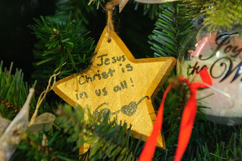 20151215 Faith Formation Christmas Tree-6081.jpg
