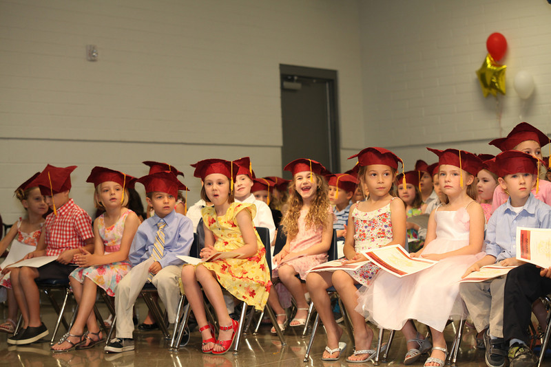 2012May18_MTA Kinder Grad_9764.JPG