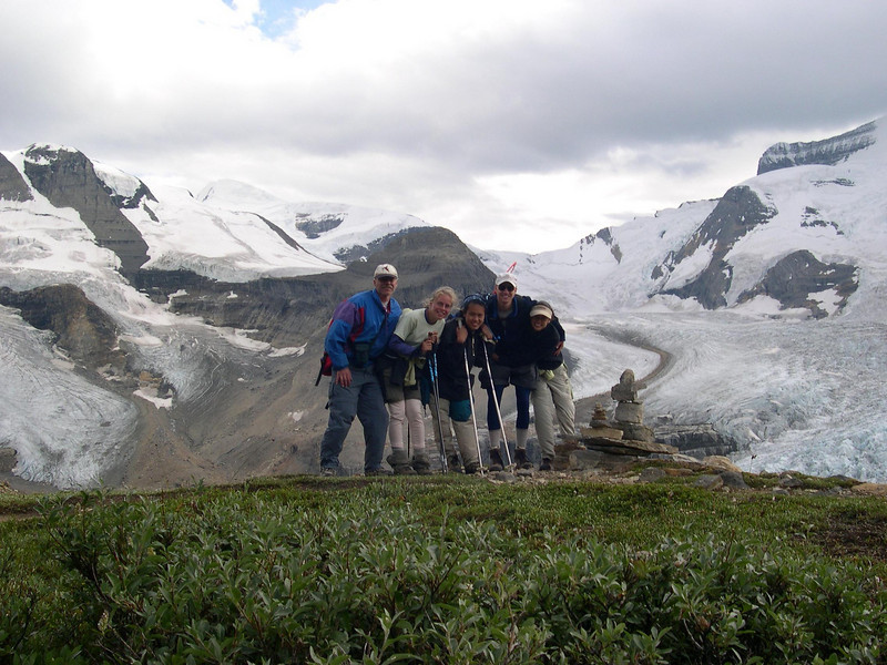 It's WIIIIIIINDY!!!: Sheldon, Kjirsten, HHH, Shane, and Jayna brave the blustery day on the way back from Snowbird Pass.  Wait a minute.  It looks like Kjirsten got caught with her pant legs down.