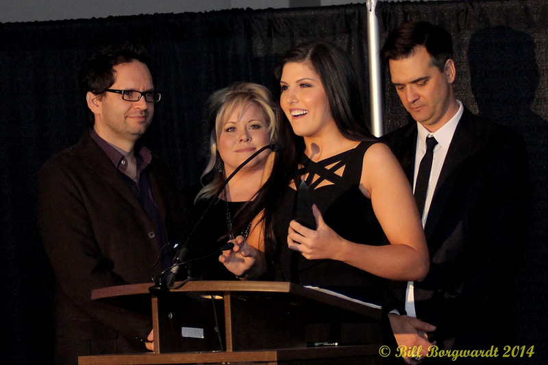 Alee - Female Artist of the Year acceptance - with Hey Romeo presenters - 2014 ACMAs