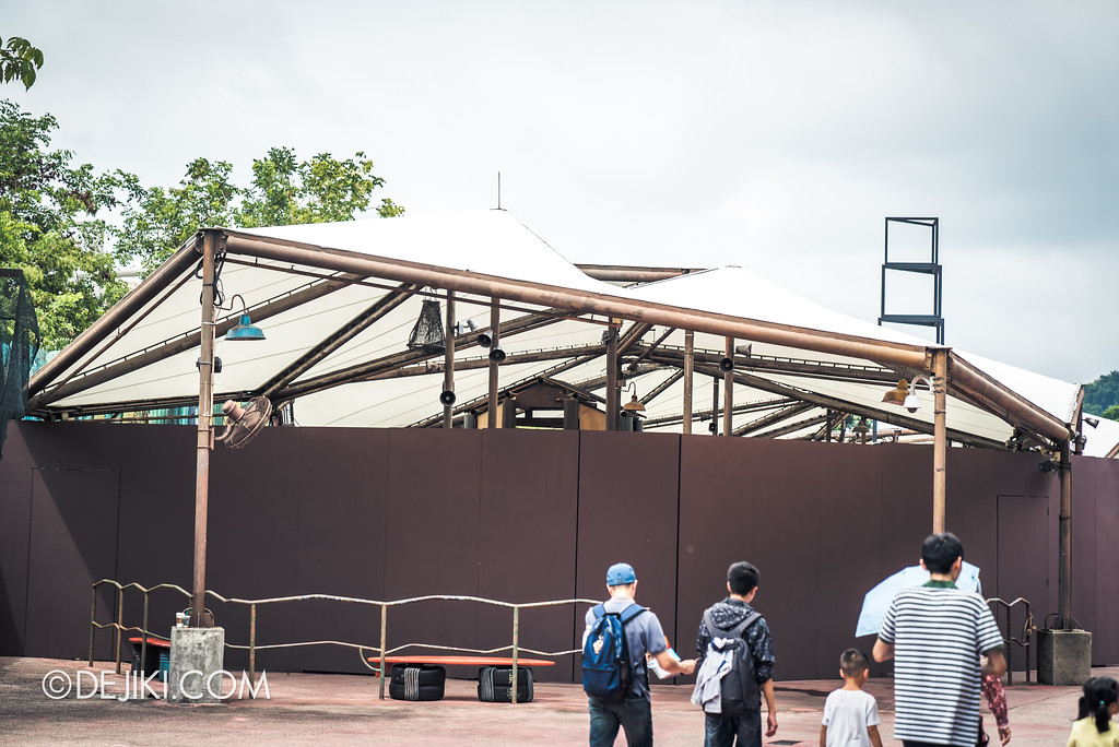 Universal Studios Singapore Park Update Aug 2018 / Halloween Horror Nights 8 construction - Pagoda of Peril haunted house staging site 3