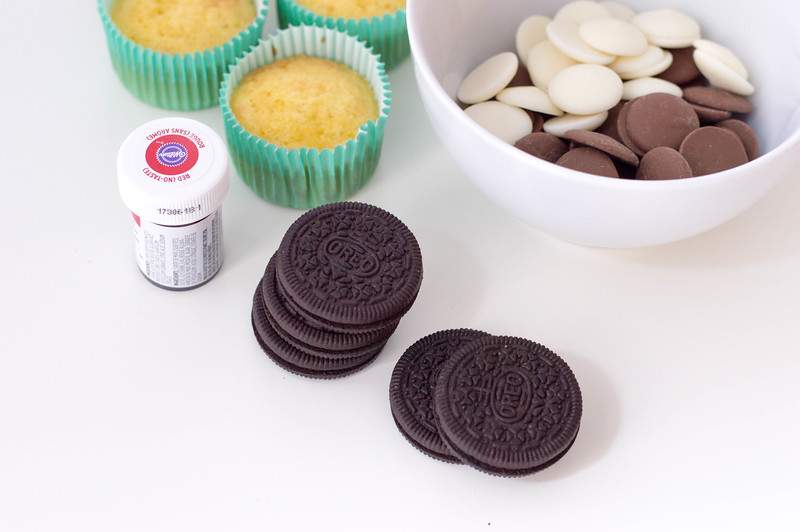 GingerbreadOreoCupcakes-ingredients3.jpg