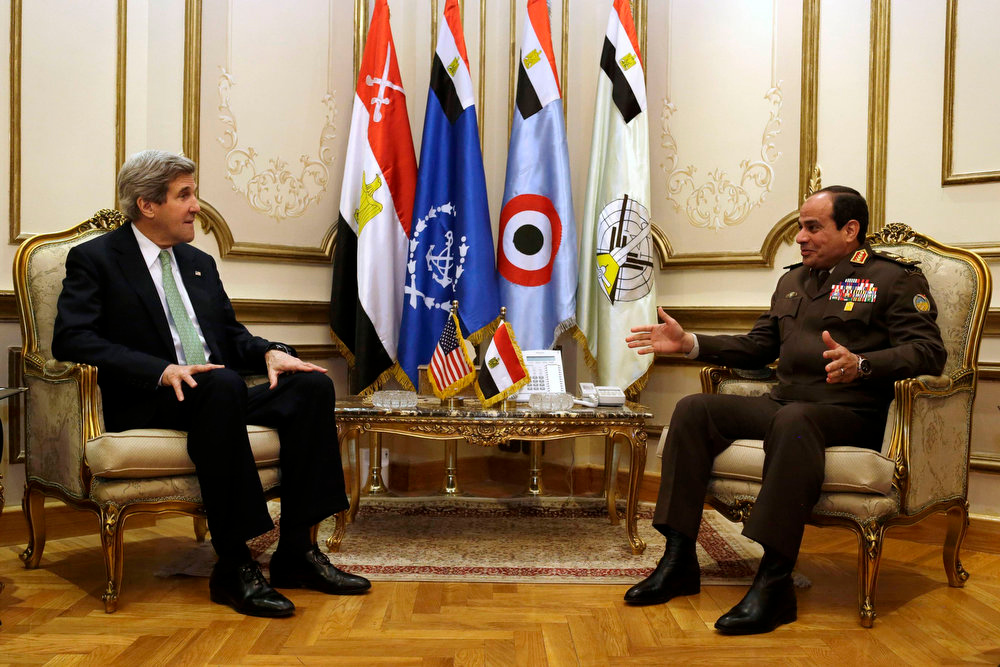 . U.S. Secretary of State John Kerry meets with Egypt\'s Defense Minister Abdel Fattah al-Sisi at the Ministry of Defense in Cairo March 3, 2013. REUTERS/Jacquelyn Martin