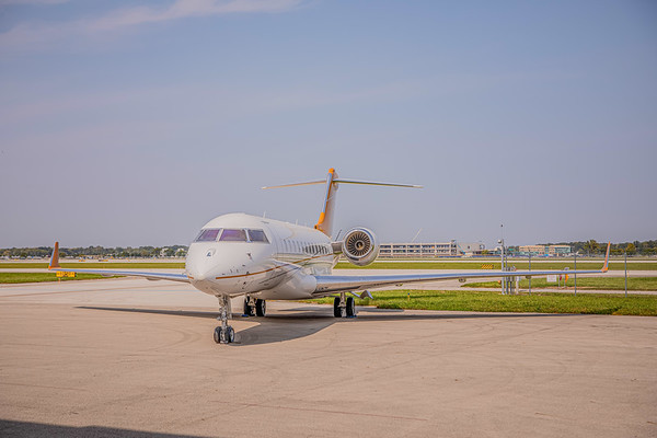 Bombardier Global 6000 N885AQ (High Res)