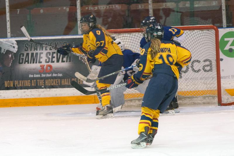 20130310 QWHockeyvsUBC 218.jpg