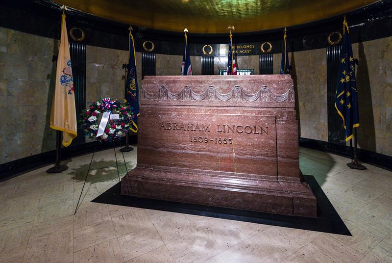 Presiden Lincoln's Marble Sarcophagus
