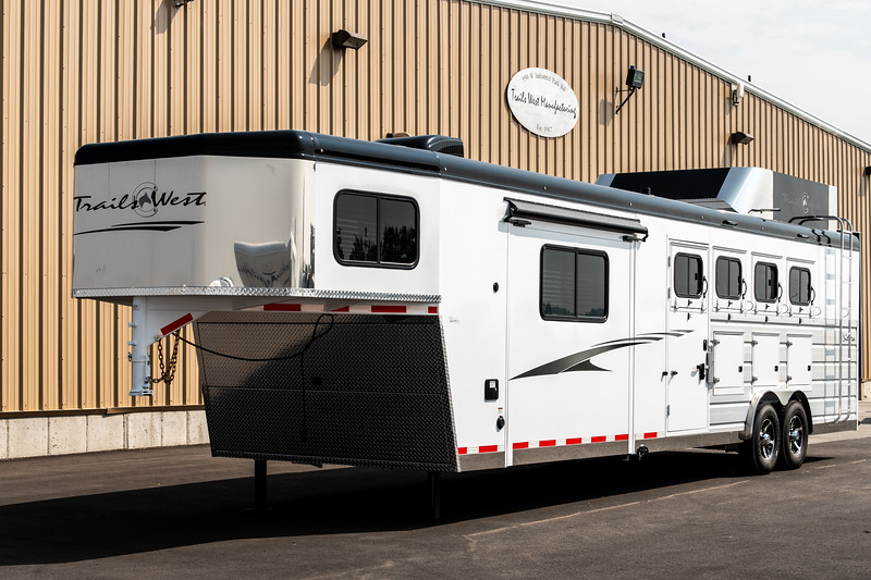 2019 TW Horse Trailers & Tack Rooms-187-2.jpg